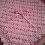 Tığ işi pembe çiçekli bebek battaniyesi yapımı