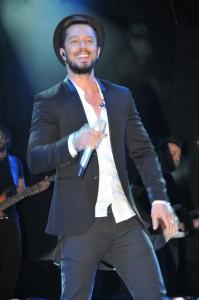 Murat Boz Sahne Kıyafetleri