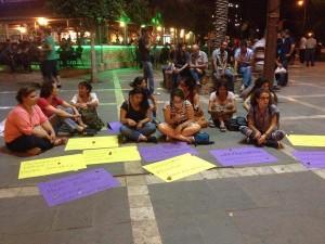 adana'da feride'nin kaçırılması ile ilgili bir protesto