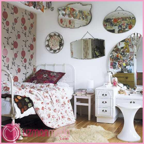mirror-bedroom.jpg